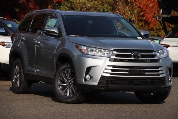 2019 Toyota Highlander in Folsom, CA