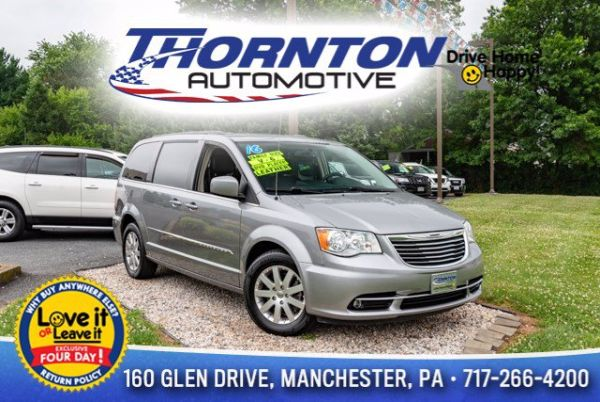 2016 Chrysler Town & Country in Manchester, PA