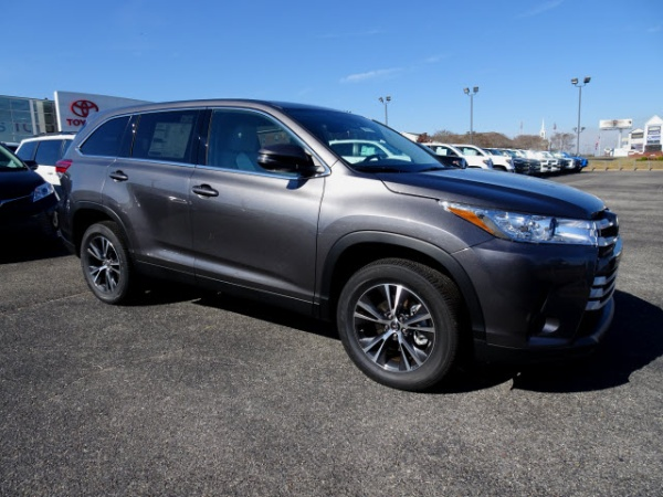 2019 Toyota Highlander in Enterprise, AL